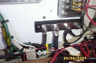 File:BuildingElectricalPanel12.jpg