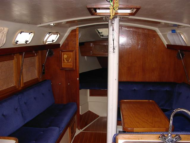 Salon to v-berth.JPG