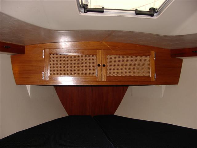 V-berth cabinet.JPG