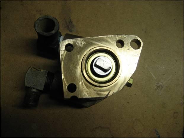 8 M35B mounting flange differences.jpg