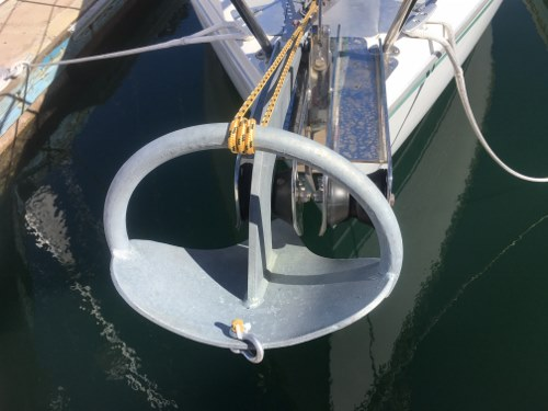 File:Anchor With Shackle (resized).jpg