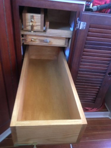 File:Middle Drawer Open (resized).jpg