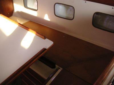 Outboard Settee.jpg
