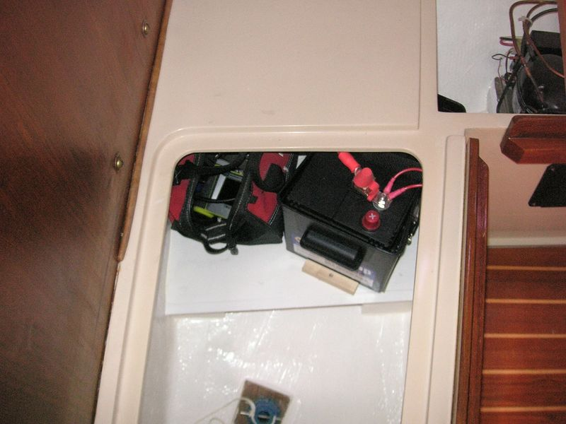 File:0668 Reserve Battery and Small Tool Bag.jpg